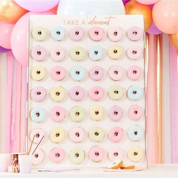 Rosy Birthday Donutwand 64cm x 84cm