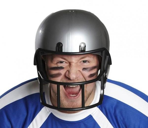 Footballspieler Helm