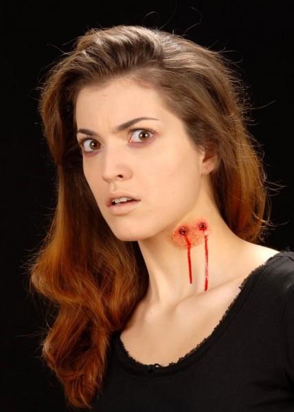 Vampir Biss Klebewunde