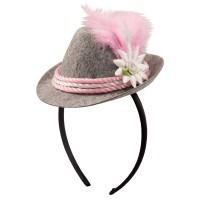 Chapeau traditionnel traditionnel sur un bandeau