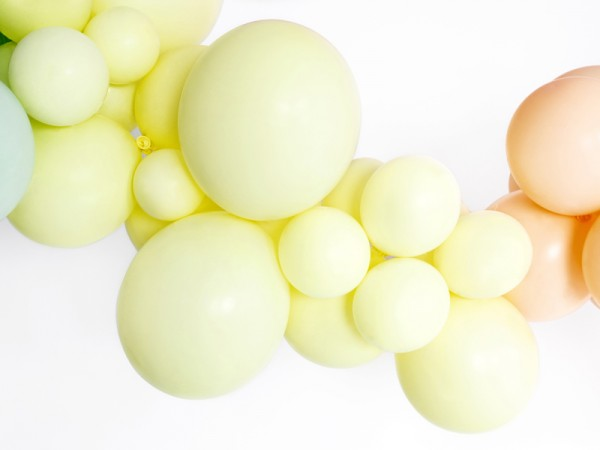 10 party star balloons pastel yellow 30cm