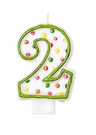 Celebrazioni Numero candela 2 con puntini colorati per torta di compleanno