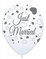 8 globos Just Married