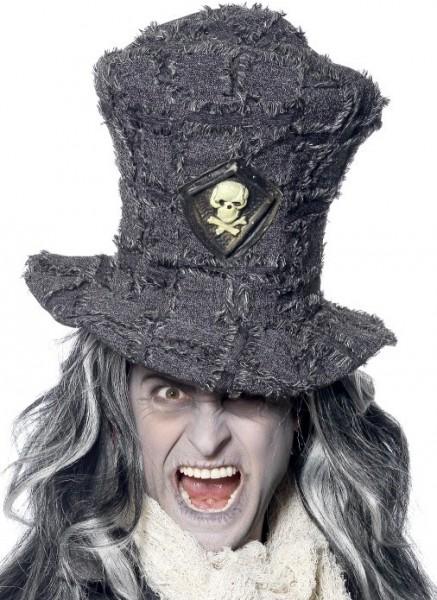 Le chapeau tête de mort de Tamara