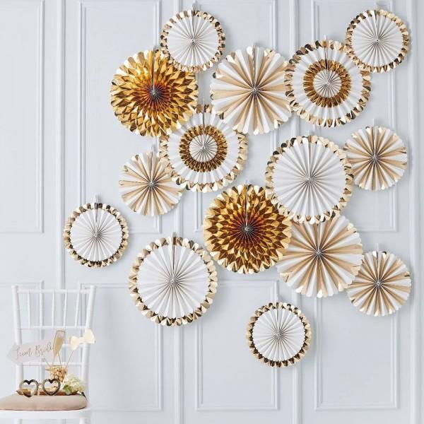 15 fan rosettes white-gold