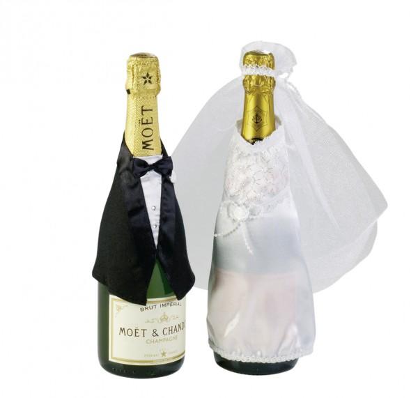 Travestimento di bottiglie di coppia nuziale amore eterno