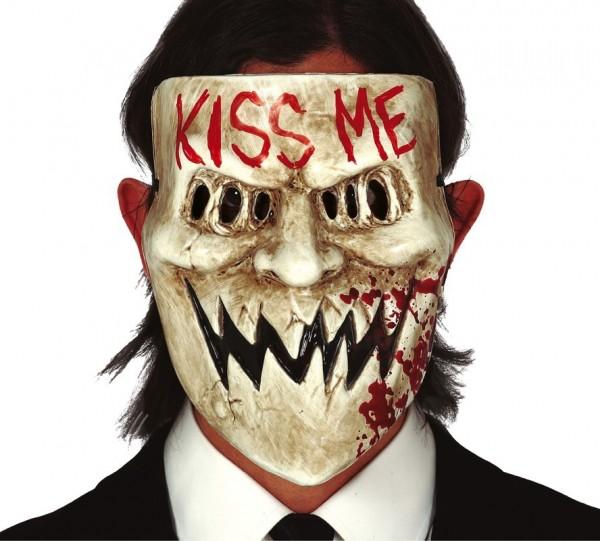 Blodig maske kysse mig