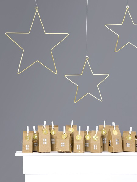 2 Gold Star Metal Hangers 28cm