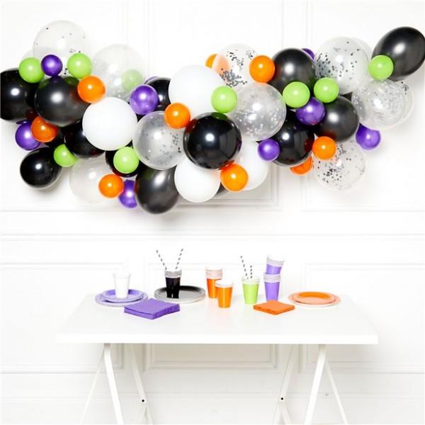 DIY Halloweenowa girlanda z balonem w domu czarownicy
