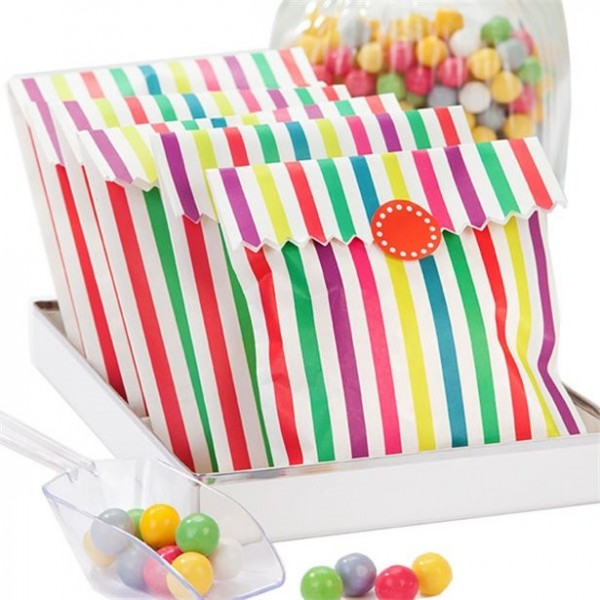 10 gift bags with colorful stripes 21 x 15cm