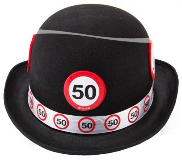 Segnale stradale del cinquantesimo compleanno del giocatore di bocce feltro