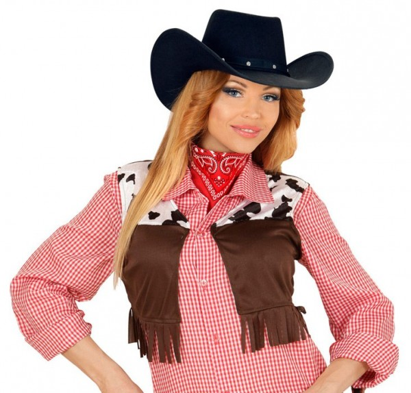 Czarny kapelusz kowbojski z ćwiekami