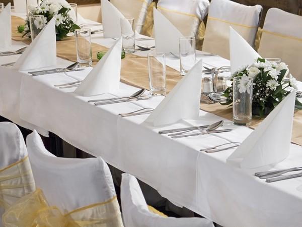 Weiße Tischdecke 180x300cm Schmutzabweisend 1