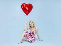 Herzilein Folienballon rot 61cm
