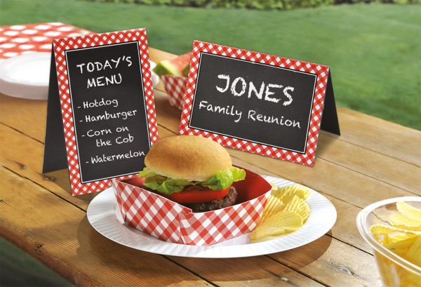 8 picnic party place cards