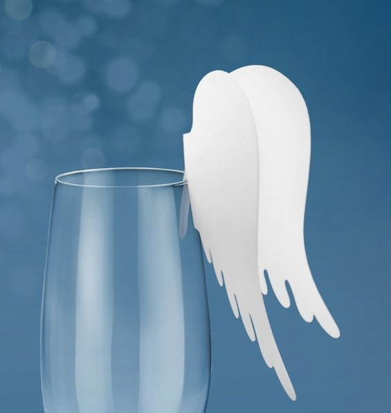 10 angel wings place cards