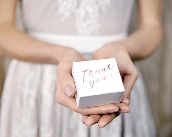 10 coffrets cadeaux Merci or rose