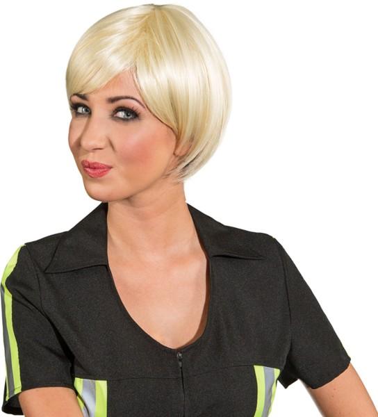 Blonde Lysann pruik met kort haar