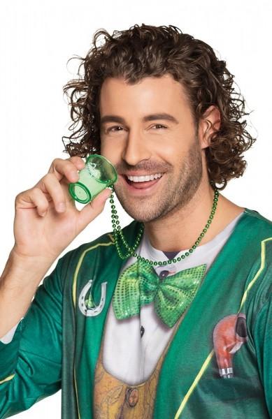 Verre à liqueur avec collier de la Saint-Patrick