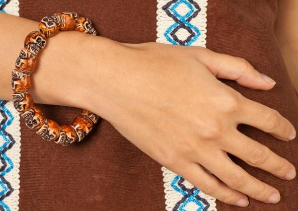 Stilvolles Indianer Armband Mit Totenköpfen