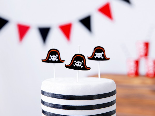 5 South Sea pirate cake candles