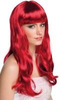 Perruque rouge rubis avec une frange