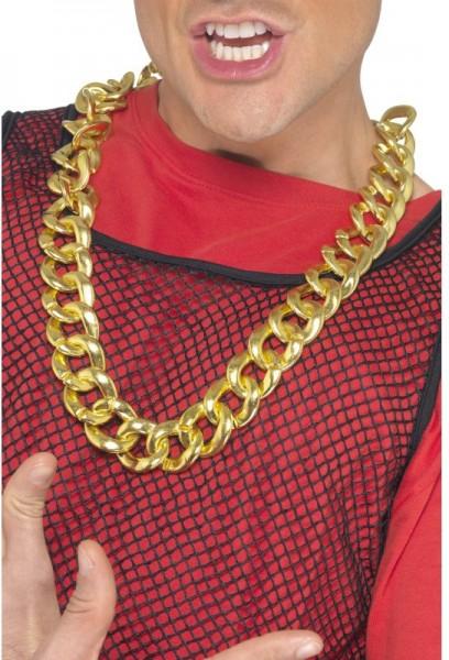 Prollige Goldkette