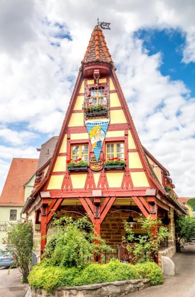 Banderín Bier Oktoberfest Liesl 1,5m x 90cm
