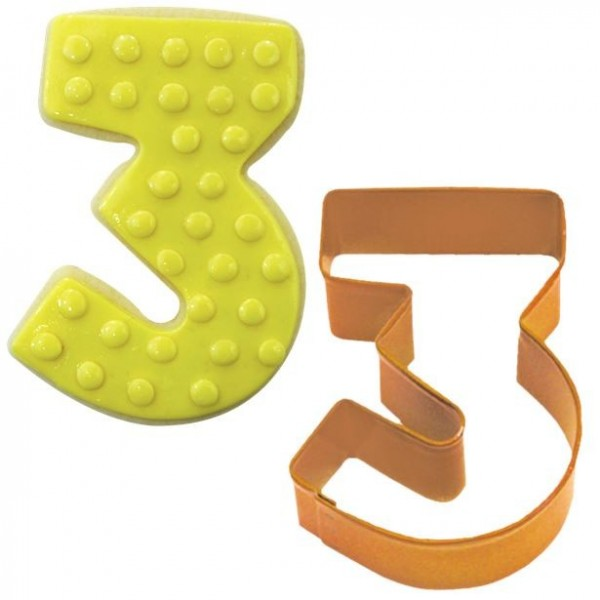 Number 3 cookie cutter 7.6cm