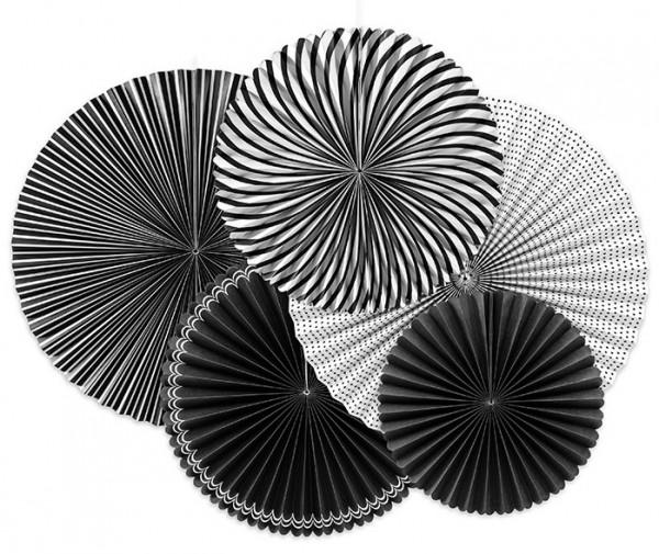 5 rosaces en papier noir et blanc