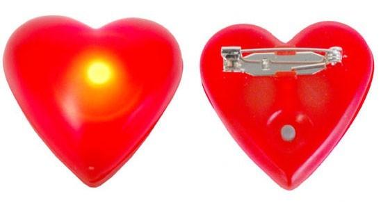 Leuchtende Herzbrosche